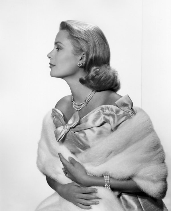 Grace Kelly Portrait by Yousuf Karsh
