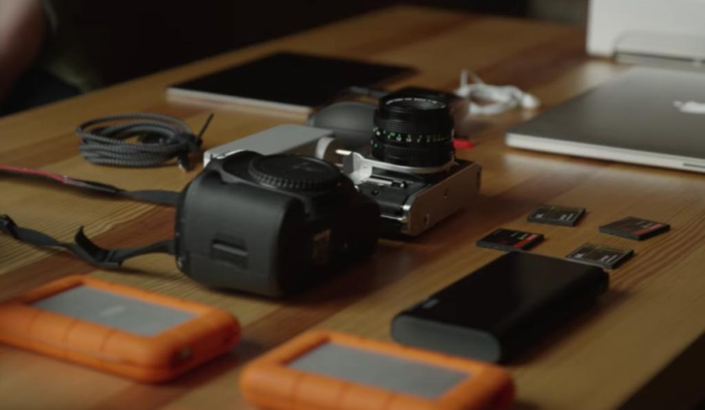 what camera does samuel elkins use
