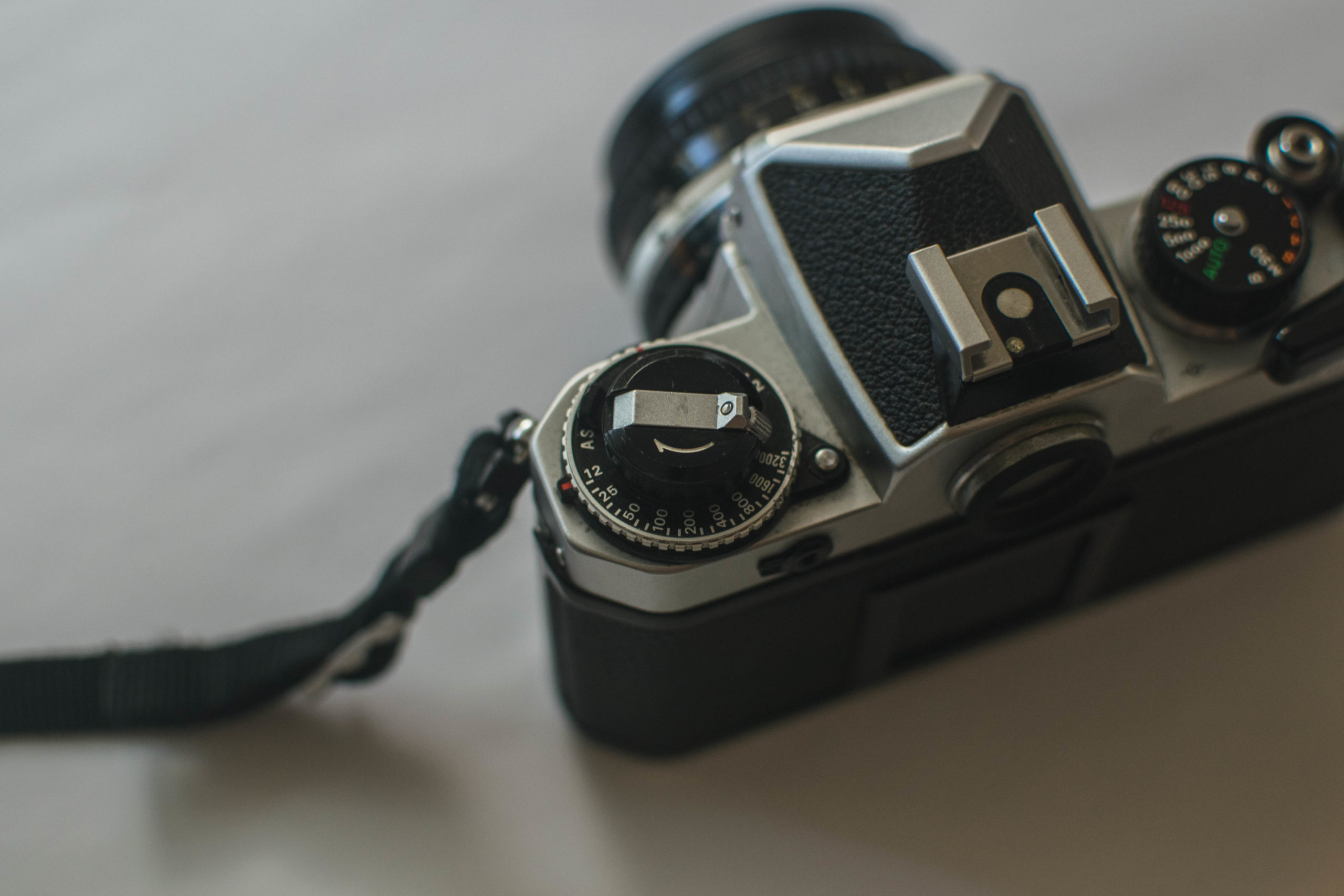 Rewind Knob Tighten - How to Load Film into a 35mm Film Camera - FilterGrade Blog