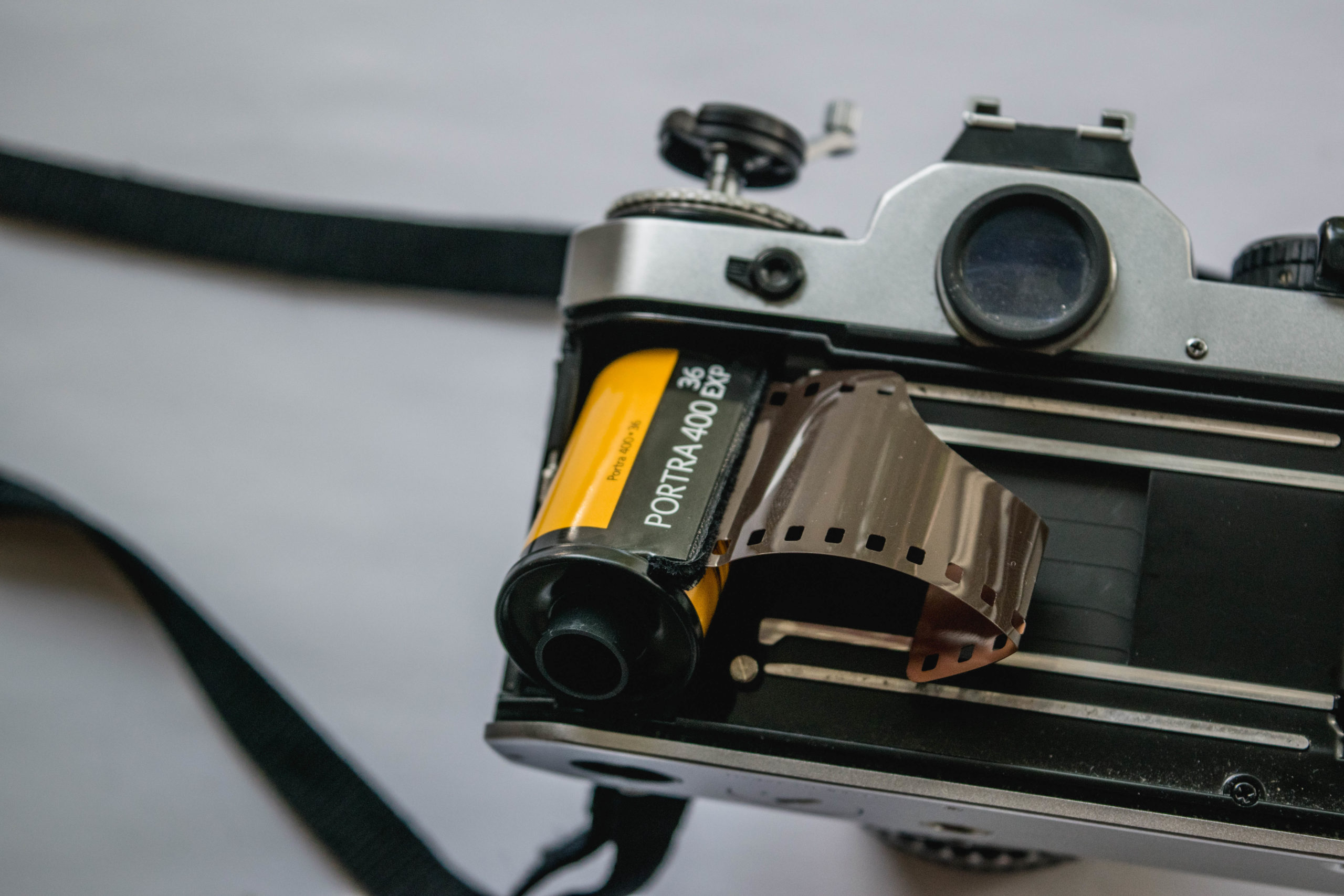 Film Chamber - How to Load Film into a 35mm Film Camera - FilterGrade Blog