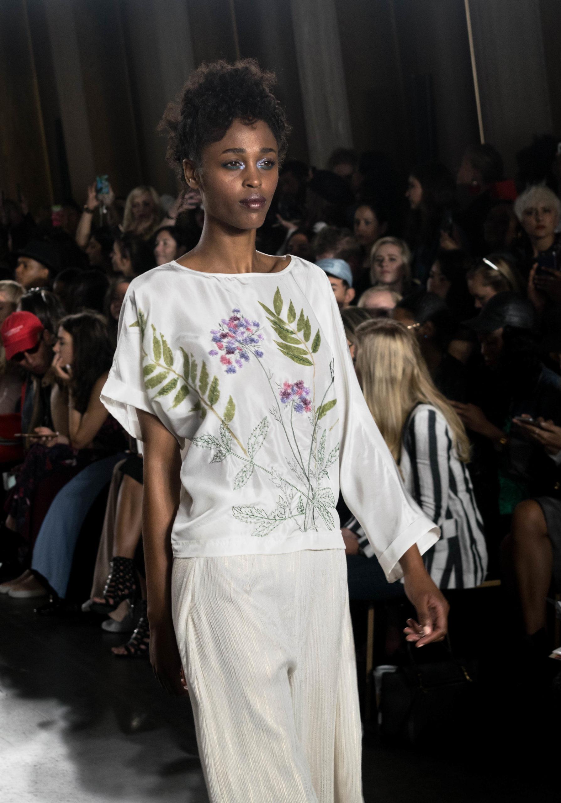 runa ray runway female models
