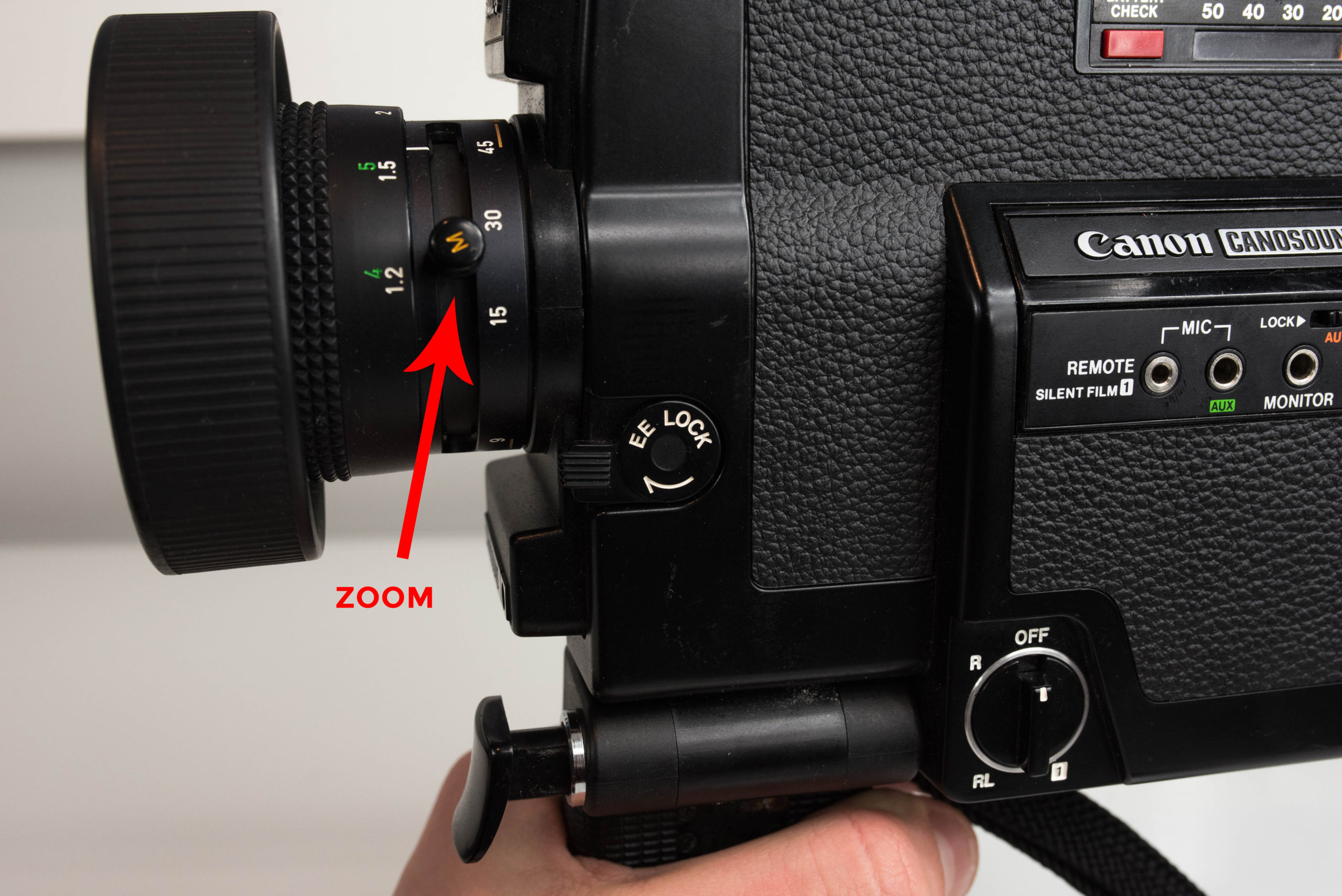 Zoom - FRAMES PER SECOND SWITCH - Super 8 Film Camera - Canon Canosound 514 XL-S - FilterGrade