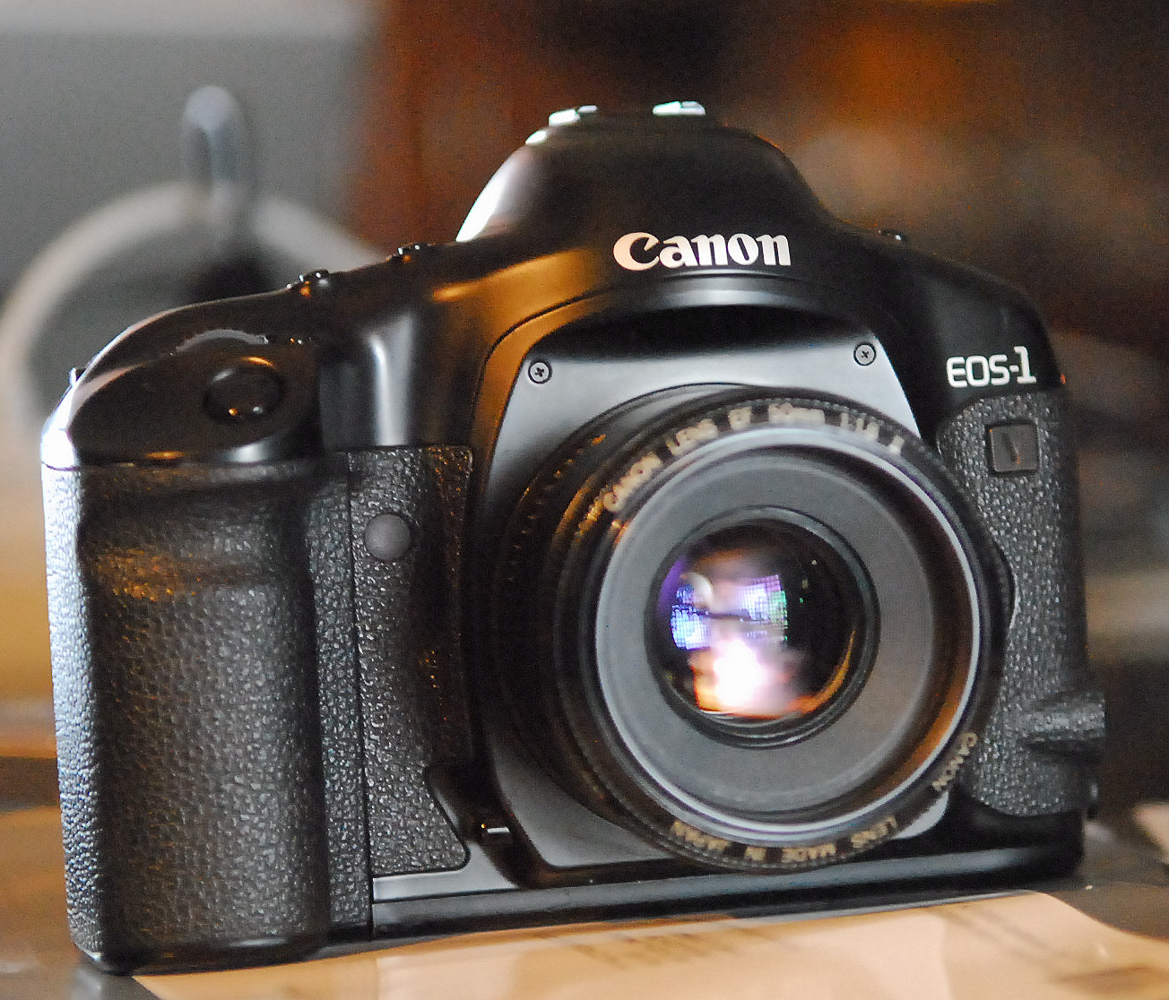 Canon EOS-1v film camera model