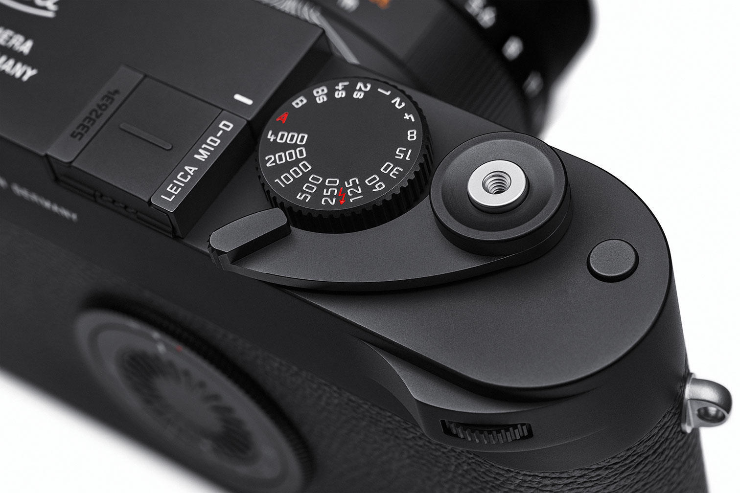 leica m10-d fold-out thumb rest