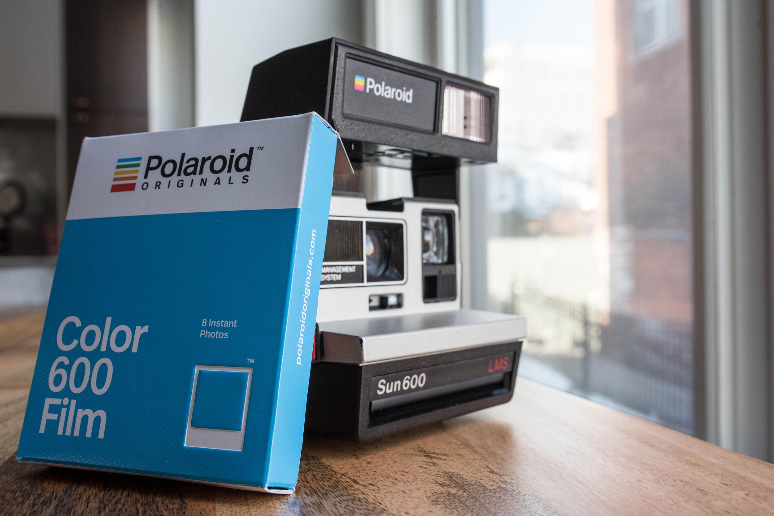 Polaroid Sun 600 Camera - FilterGrade
