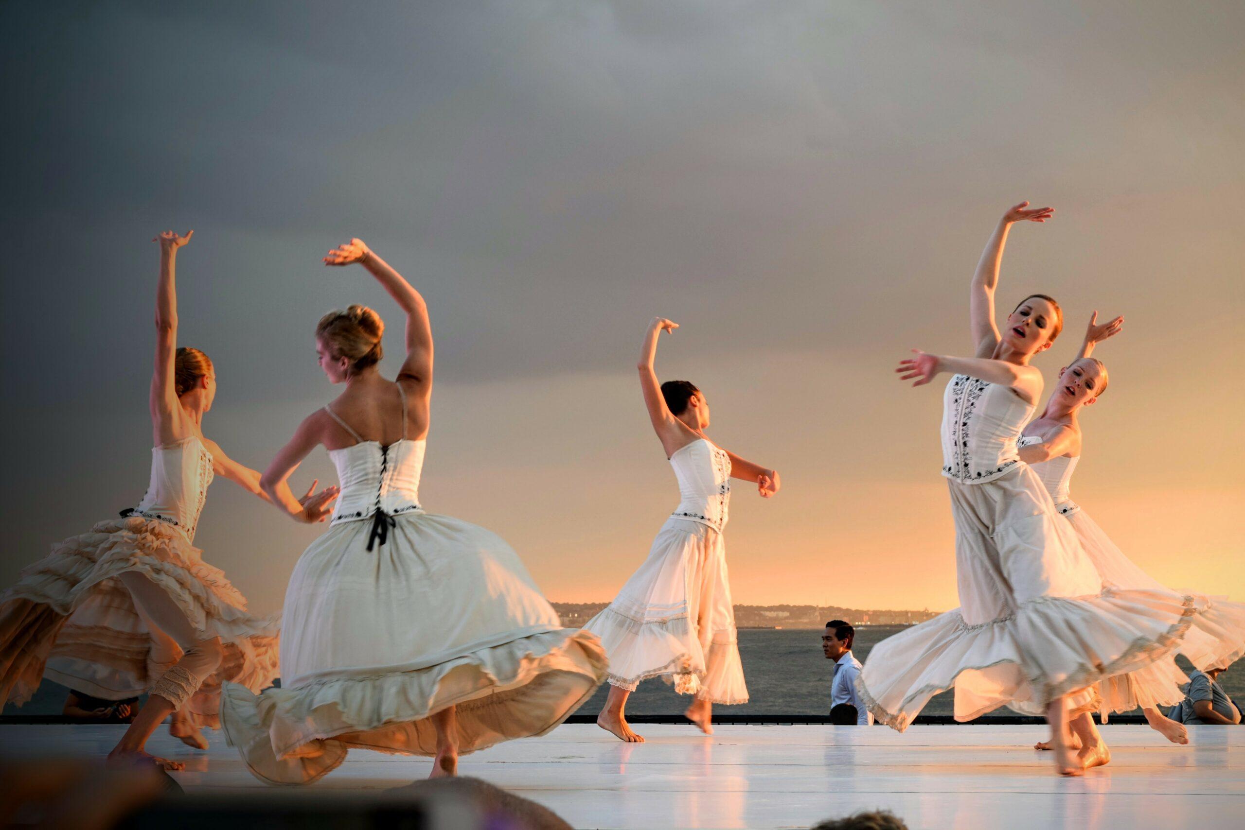 dancing performance arts