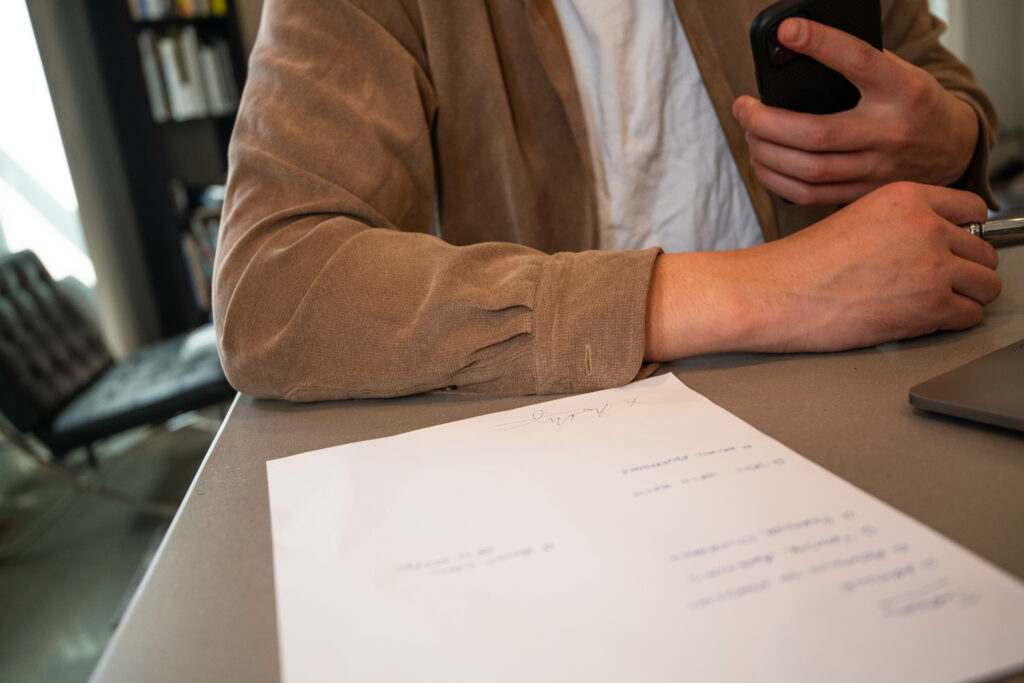 How To Properly Send Contracts to Your Photography Clientele